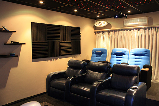 TEST-DRIVE THE HOME THEATRE ROOM AT CRESTRON HOUSE